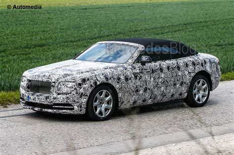 Rolls-Royce Dawn, eager to meet the Mercedes-Maybach