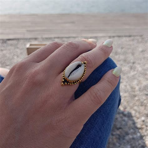 Cowrie Shell ring - goldplated - My Unique Style